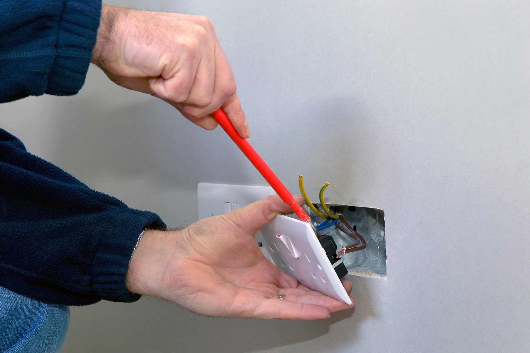 Our electricians can install plug sockets for domestic and commercial proeprties in West Croydon and the local area.